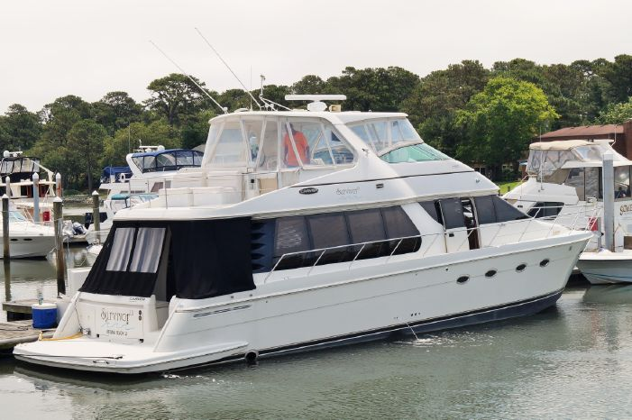 2004 CARVER YACHTS 57 Voyager