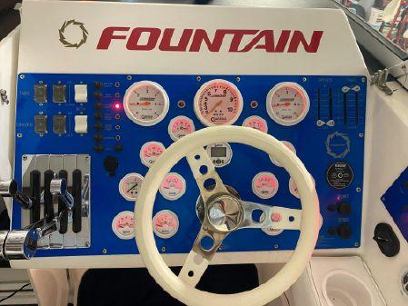 Fountain 35 Lightning image