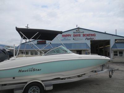 2016 NauticStar<span>203DC Sport Deck</span>