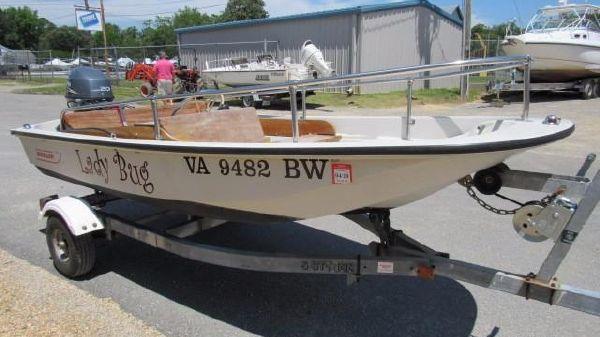 Boston Whaler Sport 11