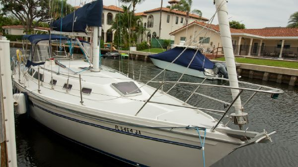 Catalina 34 Tall Rig with Wing Keel