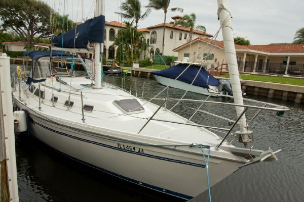 Catalina 34 Tall Rig with Wing Keel - main image