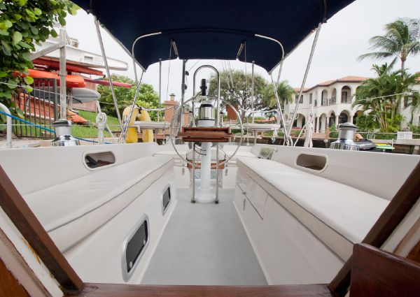 Catalina 34 Tall Rig with Wing Keel image