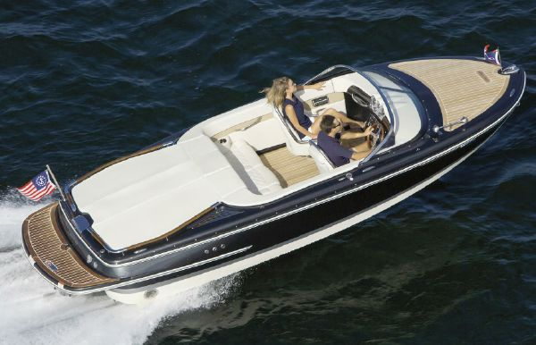 Chris-Craft New Boat Models - Tahoe Vista Sports