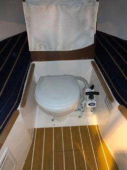 Hunt Yachts Harrier 25 image