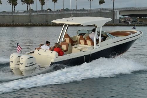 Chris-Craft Calypso 30 image