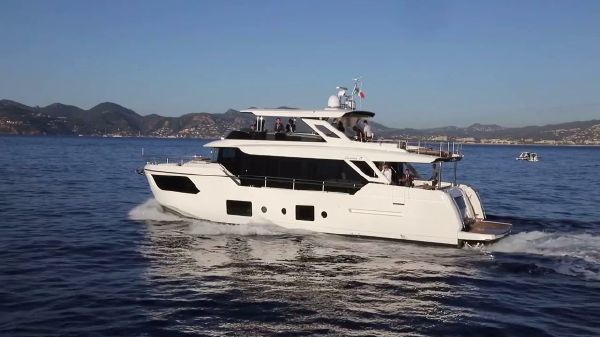Absolute Navetta 73 Port Side