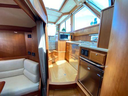 Sabre 42 Salon Express image