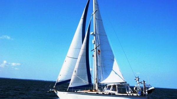 Brewer 12.8 Cutter Profile_Sailing_Port