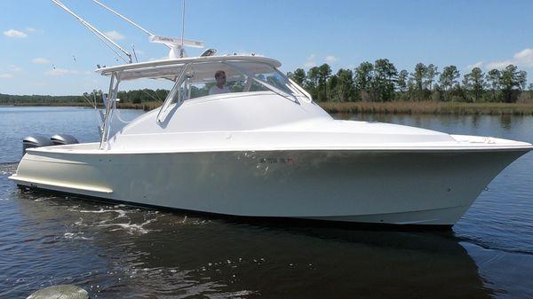 Custom Carolina BROOKS-INSIDE STORED-LOW ORIGINAL HOURS-BEST SEA BOAT IN HER CLASS