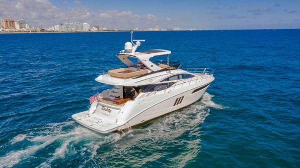 Sea Ray 590 FLY