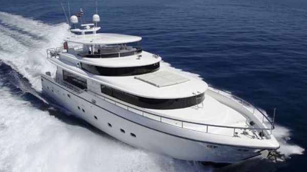 Johnson Motor Yacht Sistership Photo