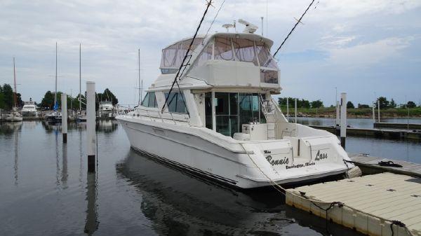 Sea Ray 550 Sedan Bridge