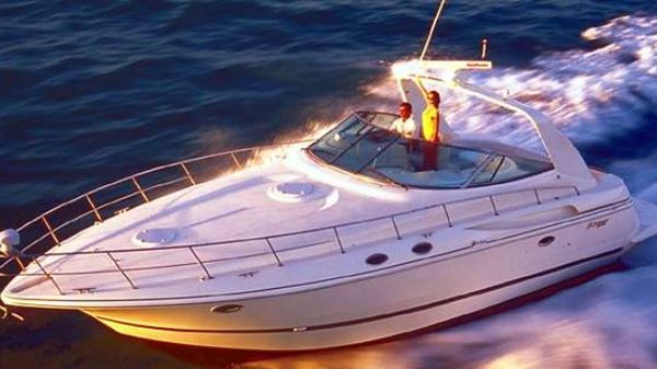 Cruisers Yachts 3870 Esprit Manufacturer Provided Image