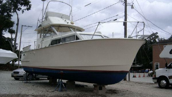 Hatteras Flybridge Cabin Cruiser