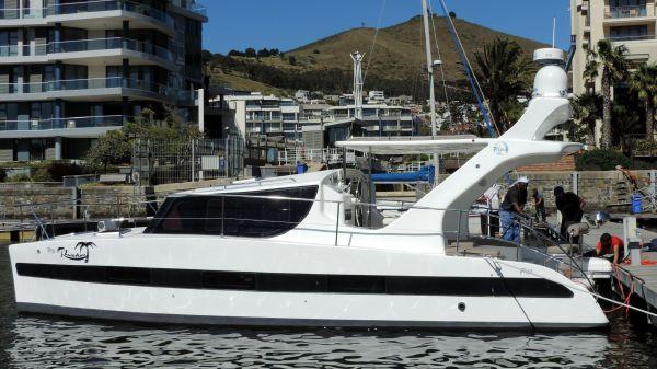 TRU32 Power Catamaran TRU32 Power Cat Mfg Image Stable & Affordable