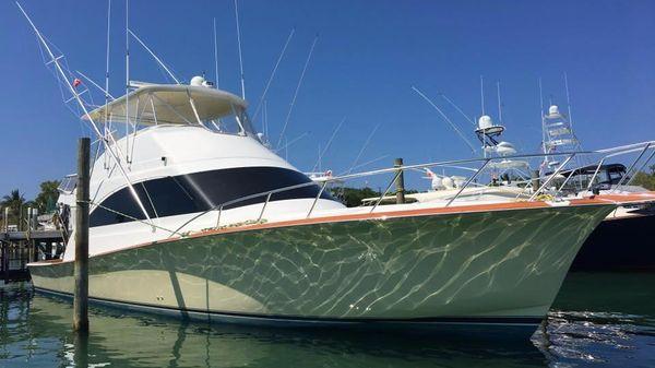 Ocean Yacht 54 Super Sport Starboard Bow