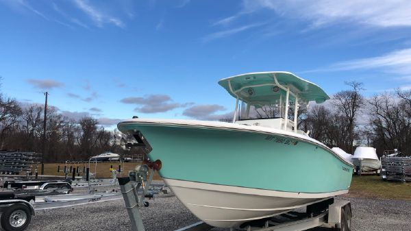 Clearwater 2508CC SaltWater CenterConsole