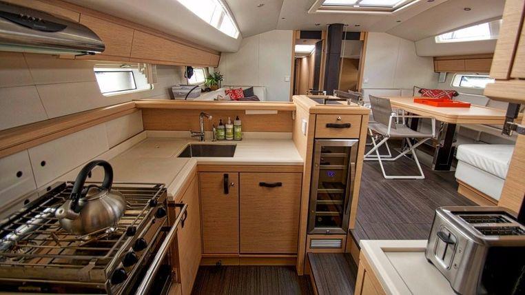 2016 Jeanneau Yacht 64 For Sale Broker