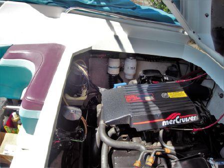 Formula 272 SR-1 Freshwater & Trailer image
