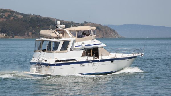 Hi-Star 44 Sundeck Motor Yacht