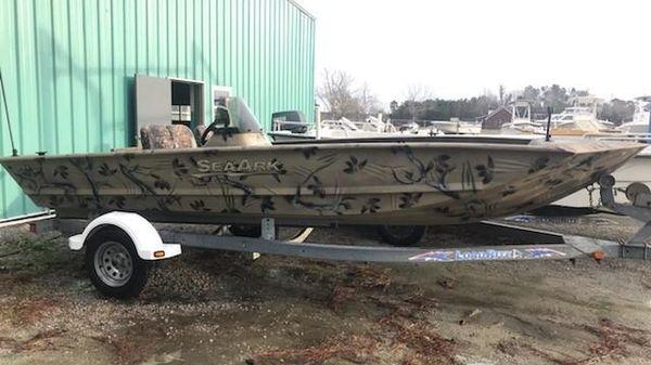 SeaArk RXV 186 SC