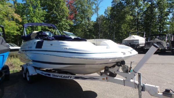 Chris-Craft 232 Sport Deck