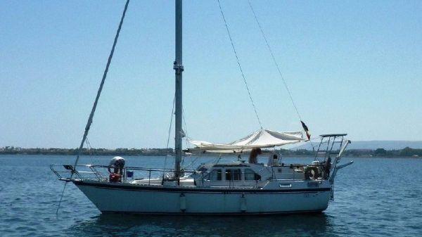 Nauticat 35 Nauticat 35 - At anchor