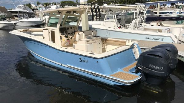 Scout 320 LXF 2013 Scout 320 LXF - Port Aft