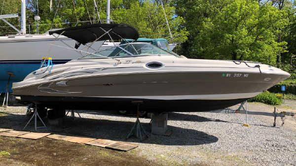 Sea Ray Sundeck(Fresh Water Cooled)