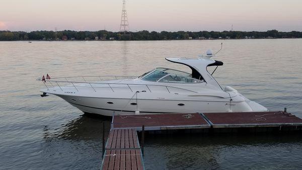 Cruisers Yachts 4370