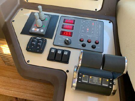Azimut 53 Fly image