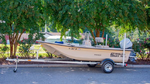 Carolina Skiff 16DLX Center Console