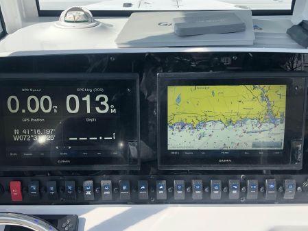 Sea Hunt 27 Gamefish Forward Seating image