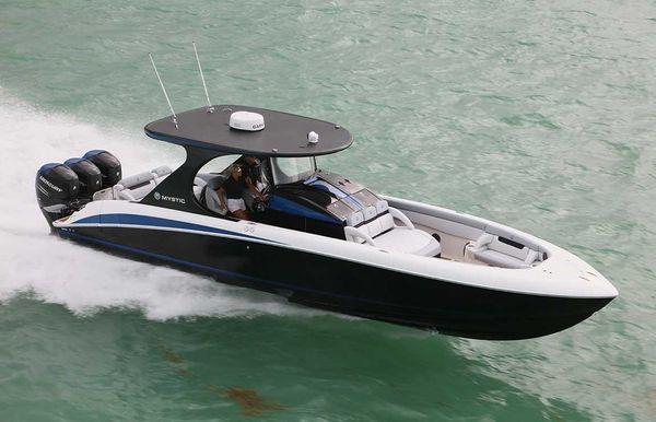 2018 Mystic Powerboats M3800