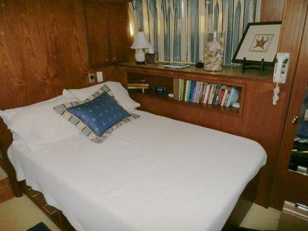 Pluckebaum Yacht image