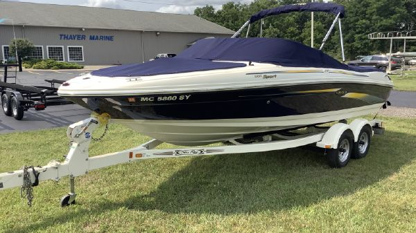 Sea Ray Bow Rider