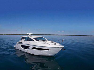 2019 Cruisers Yachts<span>46 Cantius</span>