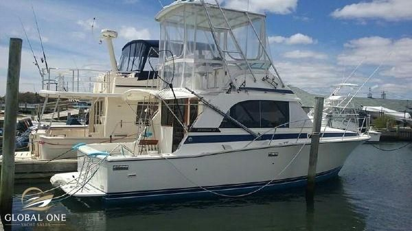 Bertram 33 Flybridge Cruiser NEW Cummins