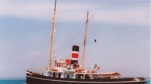 Steam tug schooner 1895