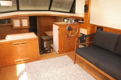 Mainship 36 Double Cabin image
