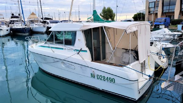 Jeanneau Merry Fisher 750