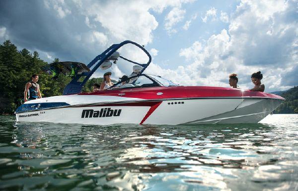 2017 Malibu Wakesetter 22 VLX