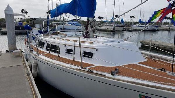 Islander Sloop 30 image
