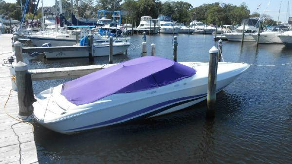 Baja 272 Boss 27' High Performance Cuddy