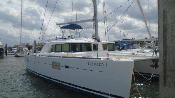 Lagoon 440 Owner's version