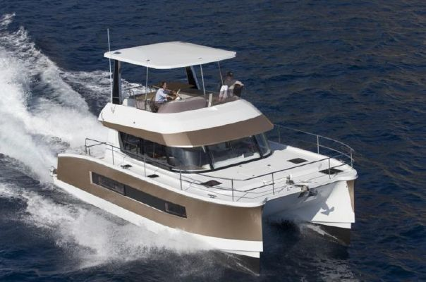 Fountaine Pajot Motor Yacht 37 - main image