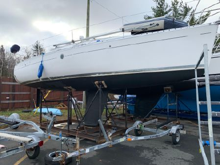 Beneteau 310 First image
