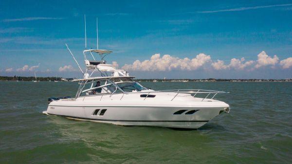Intrepid 43 Sport Yacht