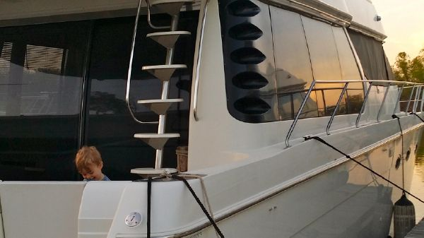 Carver 530 Voyager Pilothouse